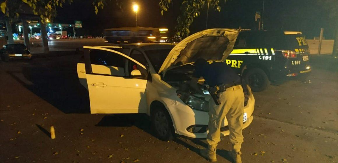 Idoso é flagrado com carro roubado e acaba preso na Rodovia Magé-Manilha