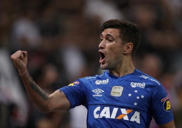 """Flamengo oferece maior salário do elenco a Arrascaeta e já conta com """"sim"""" do uruguaio"""