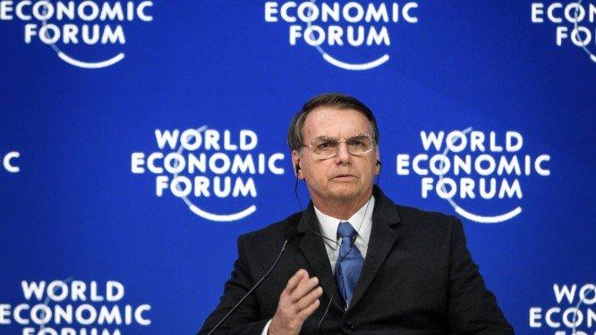 Jair Bolsonaro diz que se Flávio Bolsonaro realmente errou terá que pagar pelos seus atos