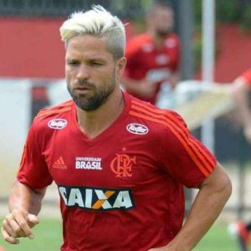 Diego anuncia renovação com o Flamengo: 'Achou que eu não iria renovar? Achou errado'