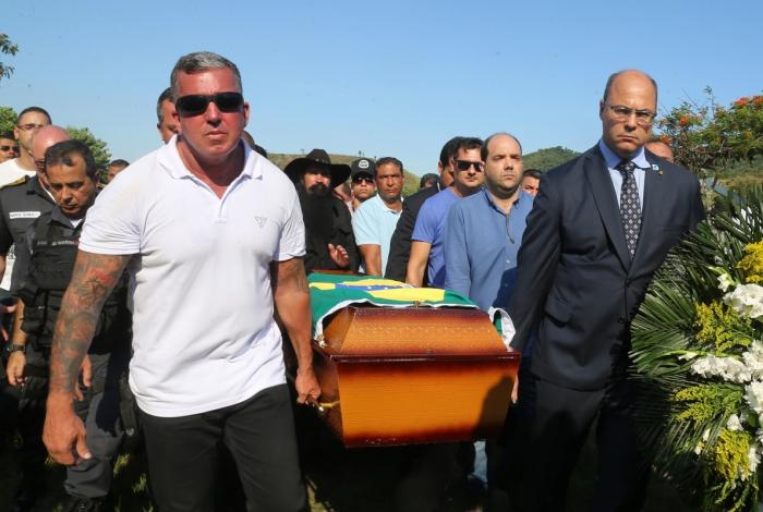Em enterro de PM, Witzel fala que vai aniquilar e asfixiar organizações criminosas