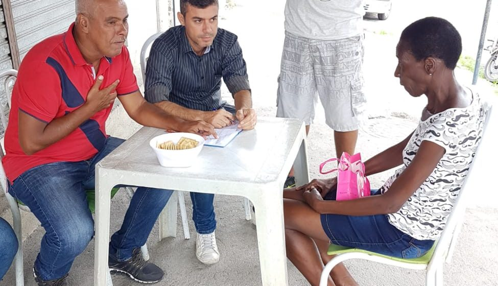 """Vereador dá início a """"Atendimento Itinerante"""" e leva mesa de trabalho aos bairros"""