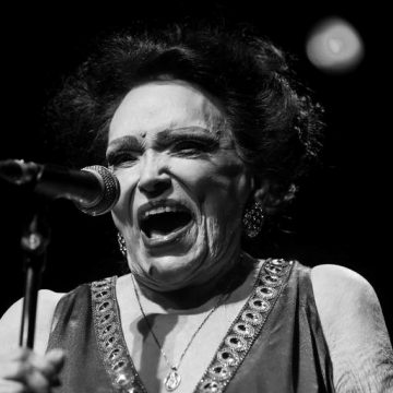Bibi Ferreira morre aos 96 anos