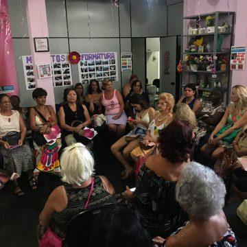 Roda de conversa é realizada em homenagem as mulheres