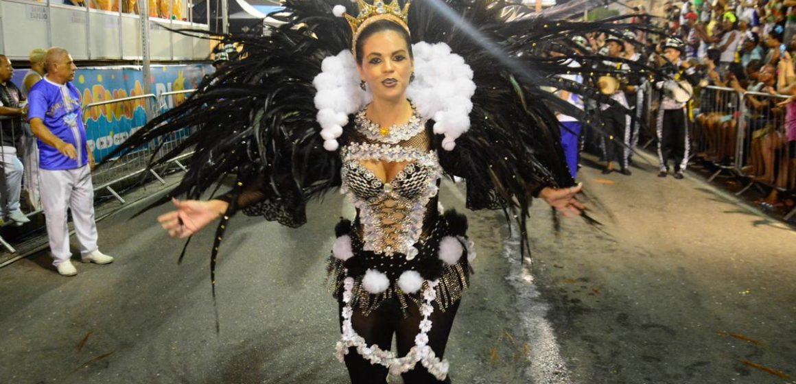 Mulheres em destaque:Meritocracia, carisma e quebrando paradigmas no samba carioca com a Digital Influencer Dani Moraes