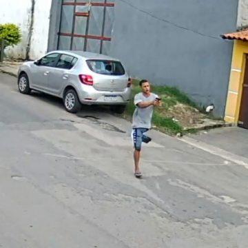 Bandido sem perna que roubou carro na Baixada e ficou famoso na internet leva tiro na cabeça