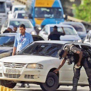 Witzel suspende vistorias de trânsito realizadas pela Polícia Militar nas ruas