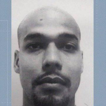 Chefe do tráfico do Morro do Chapadão morre após o seu próprio fuzil explodir  Traficante César Augusto de Araújo morreu após disparo acidental do seu próprio fuzil