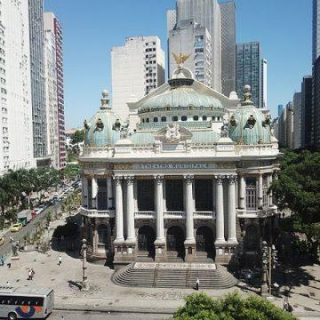 Governo do RJ corta quase metade do orçamento do Theatro Municipal, diz Alerj