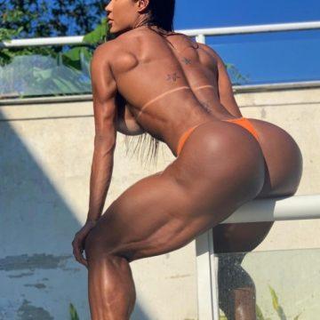 Gracyanne Barbosa mostra o bumbum em foto de tirar o fôlego. Musa fitness sensualizou nas redes sociais
