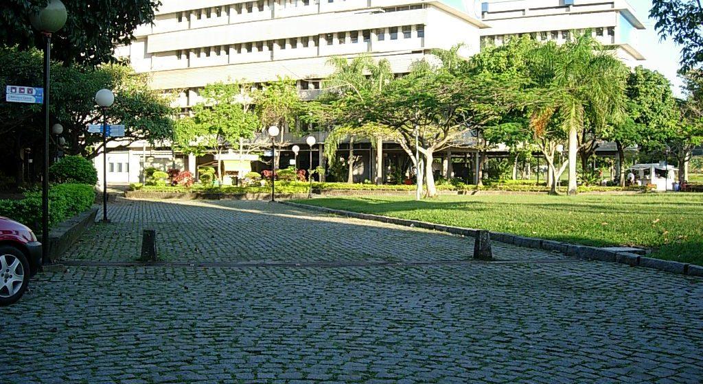 Polícia investiga denúncia de estupro em campus da UFF, em Niterói