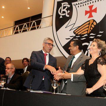Risco de impeachment faz situação do Vasco correr contra reunião