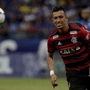 Uribe é liberado pelo Flamengo para viajar e assinar com o Santos