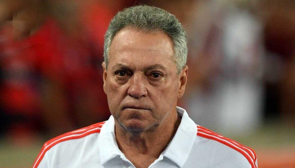 Clima de incerteza: Abel Braga balança no Flamengo