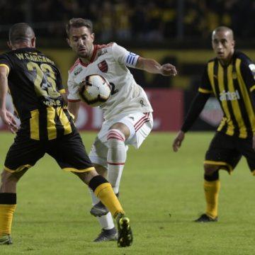 Flamengo segura empate contra o Peñarol e avança de fase na Libertadores