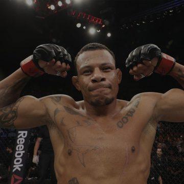 Lutador de UFC quebra casa da família, bate na ex-mulher e leva filho de apenas 5 meses