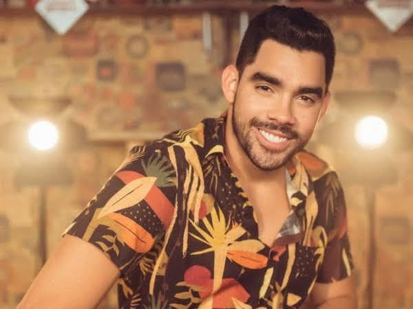 Avião que transportava cantor Gabriel Diniz cai em Sergipe