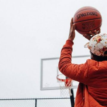 Budweiser reforma quadra de basquete de rua no Aterro do Flamengo com Bud Vibes