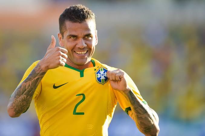 Daniel Alves será o capitão da seleção na Copa América