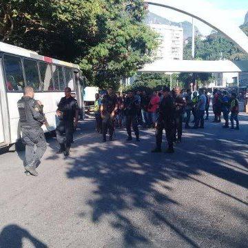 Rocinha tem protesto após morte em tiroteio com PMs