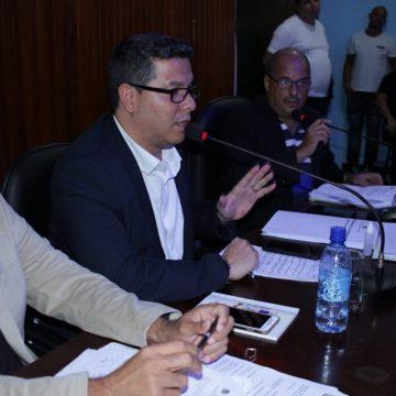 """Presidente da Câmara de Mesquita aprova projeto que acaba com a """"farra das viagens"""""""