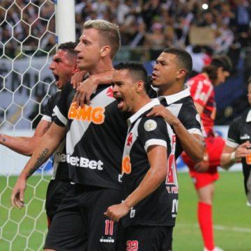 Em Manaus, Vasco empata com o Corinthians e arranca primeiro ponto no Brasileiro