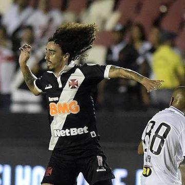 Com golaço de Chará, Atlético-MG vence e empurra o Vasco para a lanterna