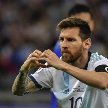 Eternizado! Messi recebe convite para Calçada da Fama do Maracanã
