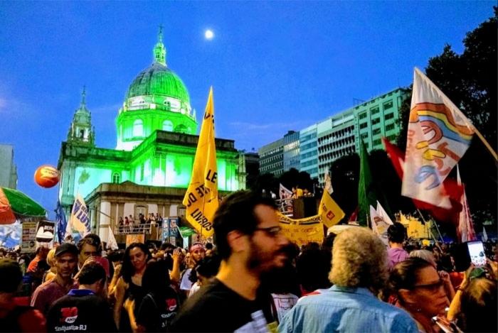Manifestantes protestam contra a Reforma da Previdência no Centro