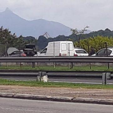 Homem mata a mulher e coloca o corpo no porta-malas do carro em São Gonçalo