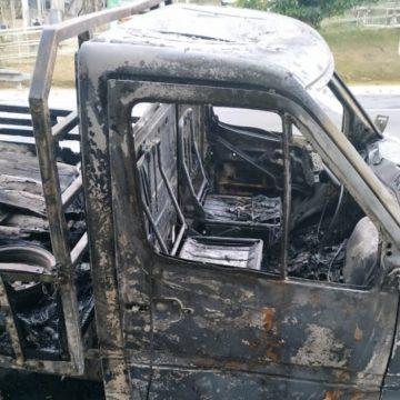 Corpos são encontrados carbonizados dentro de caminhão na Rio-Santos