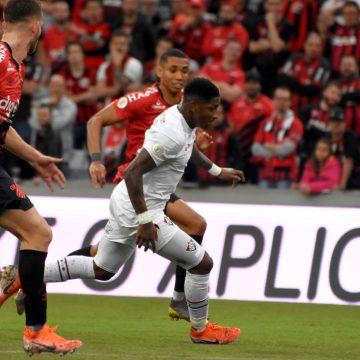Fluminense perde para o Athletico-PR e fica perto do Z-4