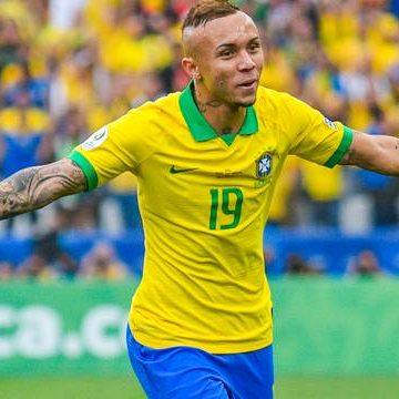 Seleção  joga bem. Everton Cebolinha desequilibra, Brasil goleia o Peru e se classifica