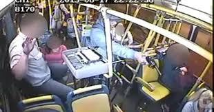 Linha de ônibus é assaltada cinco vezes em uma madrugada