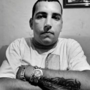 Fernandinho Guarabu, traficante há mais tempo foragido no Rio, é morto pela PM