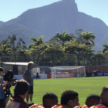 """Na """"estreia"""" de um inquieto Jorge Jesus, Flamengo vence o Madureira por 3 a 1"""
