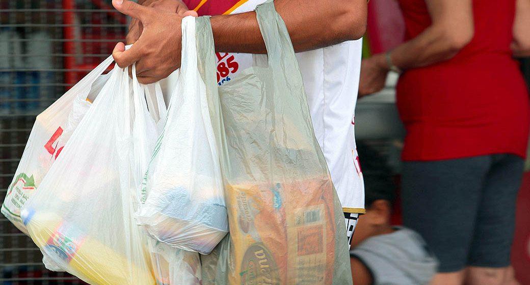 Sacolas plásticas não recicláveis serão recolhidas pelos estabelecimentos comerciais
