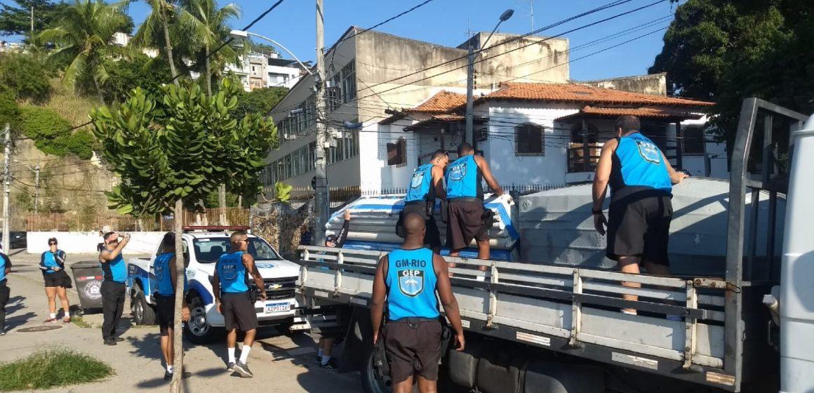 Guarda Municipal apreende 19 barcos em praias da Ilha do Governador e da Zona Sul
