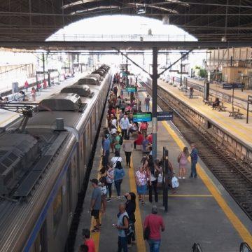 Problema de energia faz trens da SuperVia circularem com atrasos em todos os ramais