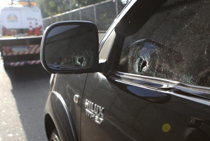 PM e motociclista são baleados na Linha Amarela