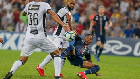 Fluminense fica no empate com o Ceará, mas sai da zona de rebaixamento
