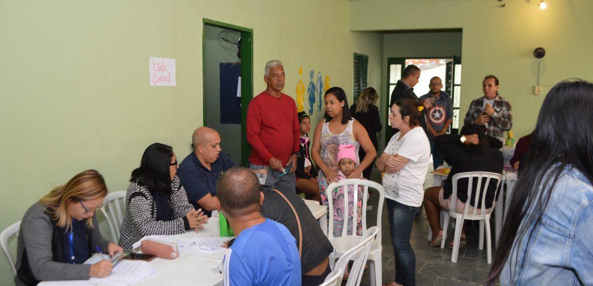 Moradores da Chatuba de Mesquita participam de ação social