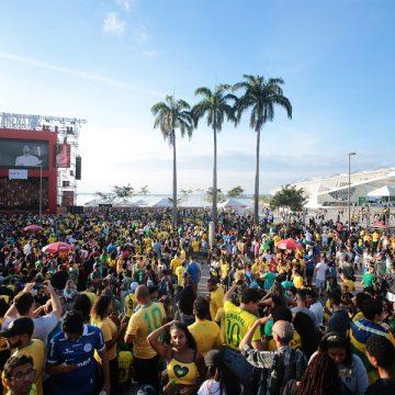 Diogo Nogueira agita a Arena N°1 Brahma na semifinal da Copa América
