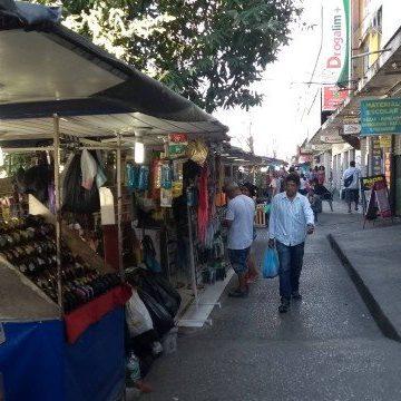 Prefeitura pretende organizar comércio ambulante na Pavuna e limita camelôs a 150
