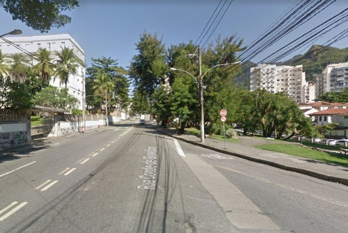 Estudante é morto por bala perdida em ponto de ônibus na Tijuca