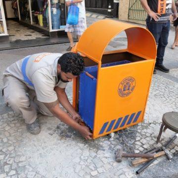 Prefeitura do Rio apresenta as novas lixeiras de rua