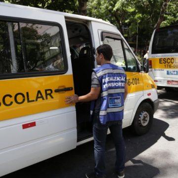Prefeitura suspende mais de 300 permissões de táxi escolar por falta de vistoria