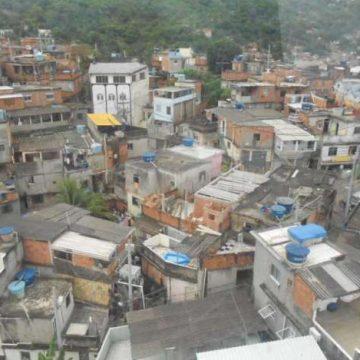 Suposto ataque de criminosos rivais deixa cinco feridos na Vila Cruzeiro