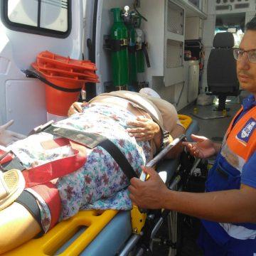 Acidente com idosa causa transtorno no centro de Nova Iguaçu