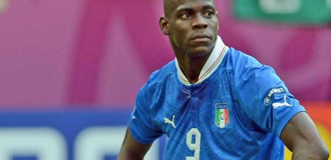 Flamengo faz proposta para contratar o atacante italiano Mario Balotelli